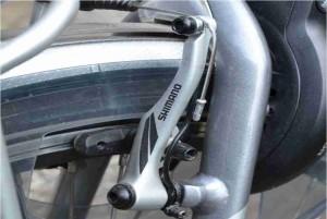 Remblok blijft hangen fiets