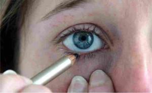 oogpotlood aanbrengen