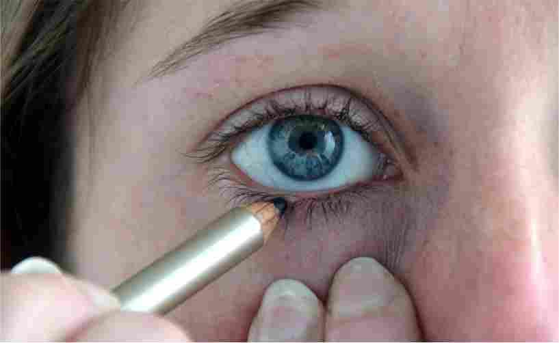Potlood Eyeliner Aanbrengen op